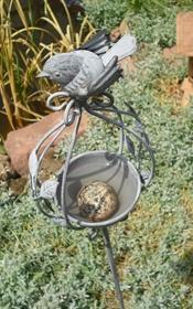 Vogeltränke für Insekten